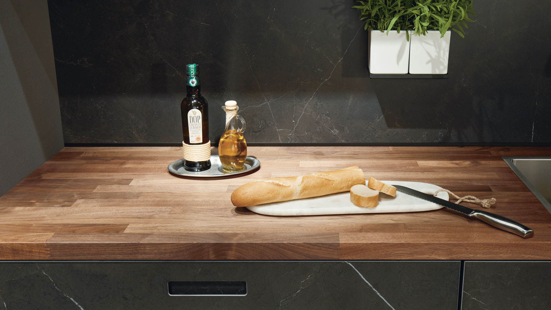 Küchenarbeitsplatten in Holz, Stein, Glas, Ceramic bei Miele Center Markant in Vorarlberg